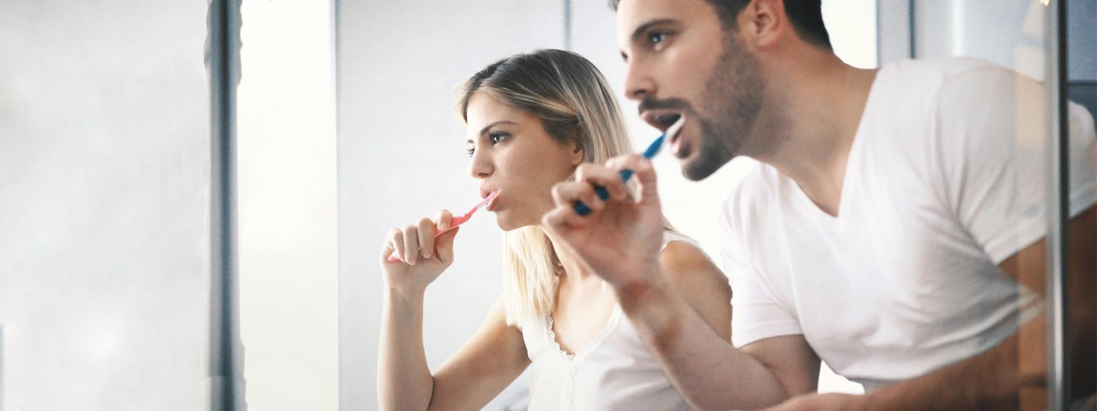 Как чистить зубы, чтобы реже видеть стоматолога